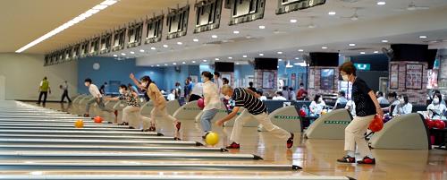 神戸六甲ボウルで「健康ボウリング教室」を開催しています。